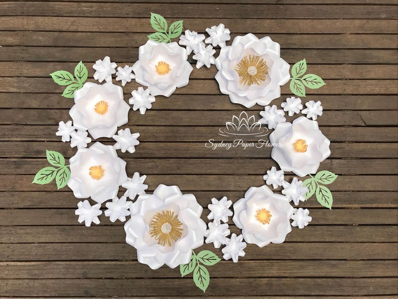 ALL WHITE WREATH paper flower backdrop/Paper flower image 0