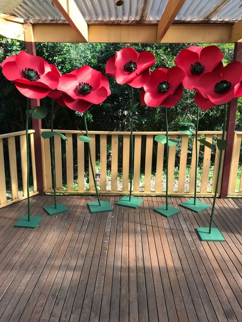 FREE STANDING poppy VIDEO tutorial and template giant paper image 0