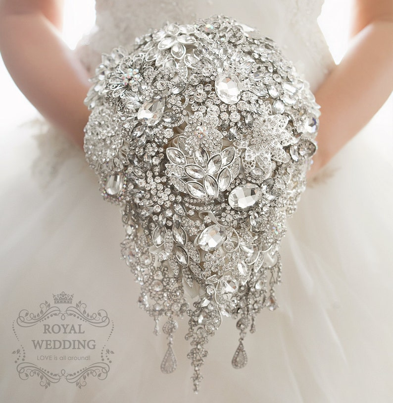 Cascade Crystal Silver Brooch Bouquet Art Deco Jewelry Wedding Flower  Teardrop Princess Style Rhinestones Bridal Accessories Brooch Bouquet