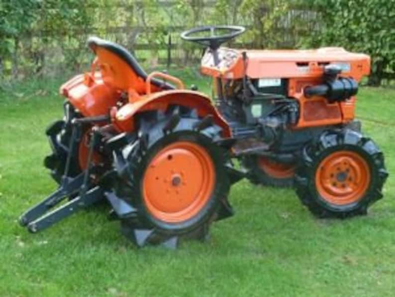 KUBOTA B7100 TRACTOR Operations & Parts Manuals - 390 pgs also covers  b-7100 HST-D and HSTe Diesel Service and Repair