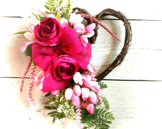 Mother's Wreath,Pink Tulip Swag,Heart Wreath,Spring Tulip Front Door, Gift for Her, Mother's Day Wreath, Spring/Summer Front Door