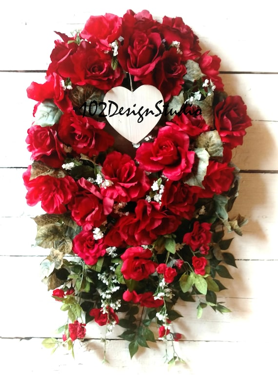 RED ROSE HEART Wreath, Valentine Red Rose Heart Swag, Etsy Heart Wreath, Etsy Heart Swag, Mother's Day Wreath, Mothers Day Swag