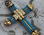 Antique Gold Crucifix Bud...