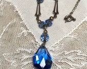 1920s Glass Necklace Edwa...