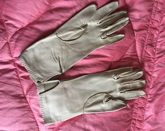 Vintage 1960s Beige Cream Leather Driving Gloves