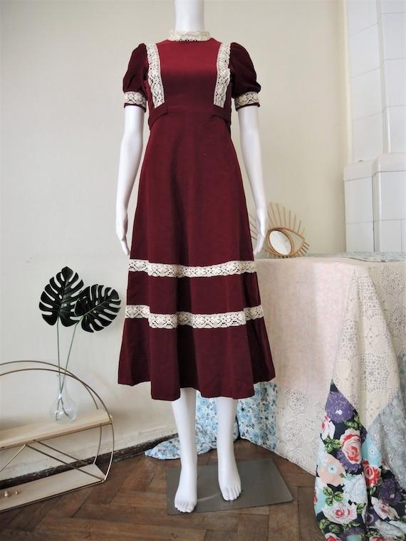 Vintage wine red velvet prairie midi dress with cr
