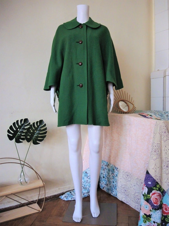 Vintage green Austrian trachten cape with Peter Pa