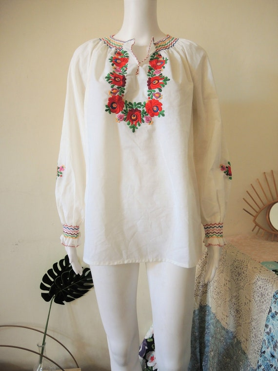 Vintage hand embroidered Hungarian Matyo folklore