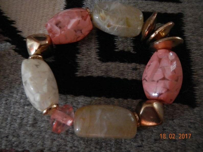 Vintage Gold-tone PinkWhite Confetti Lucite NecklaceBracelet Set