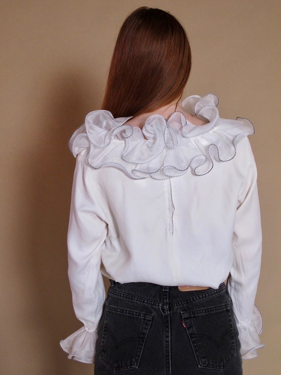 White Ruffle Peridot Blouse, 1960's blouse, 1960'… - image 4