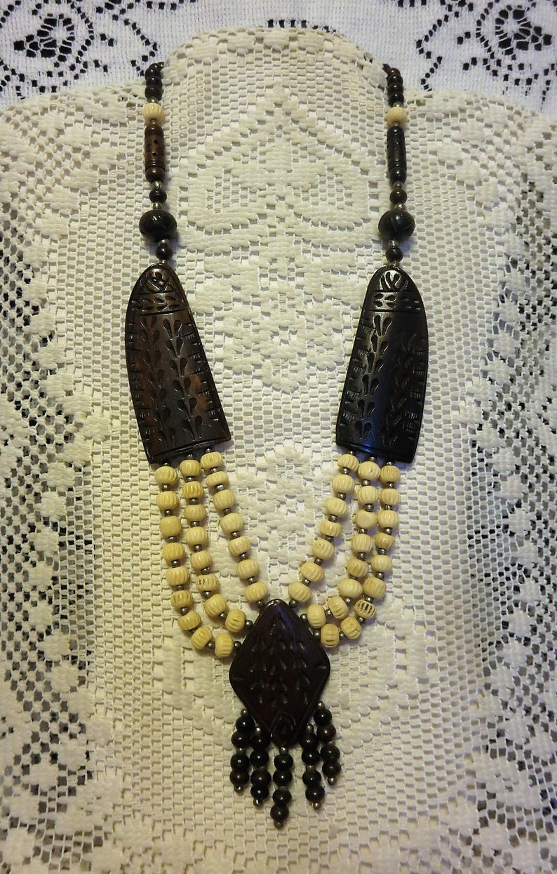 Awesome Vintage Bohemian Style African Tribal Hand Carved Horn /& Bone Statement Piece Necklace