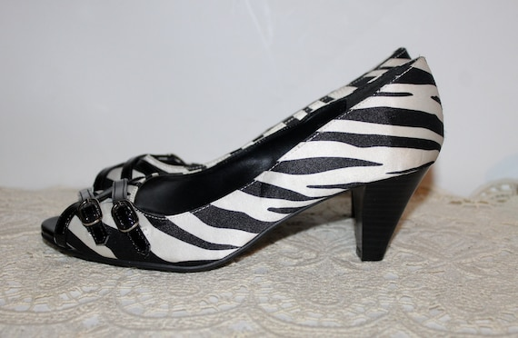 Cross Ladies Zebra Toe amp; Low Strap White Open Design Size Print Heels and Black 9 US Heel gw0qAgS