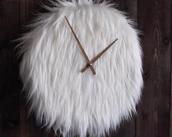 Fluff watch made of lambskin