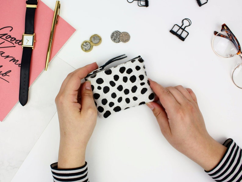 minimalist wallet Dot Print Leather Coin Pouch  ladies card holder card purse Leather card holder Coin pouch Zipped leather purse