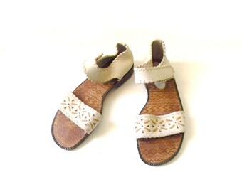 Women's Ivory Leather Sandal ~ Size 7.5