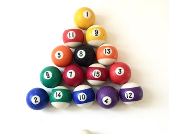 Vintage Pool Balls / Complete Set