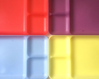 Colorful Tupperware Trays / Set of 4