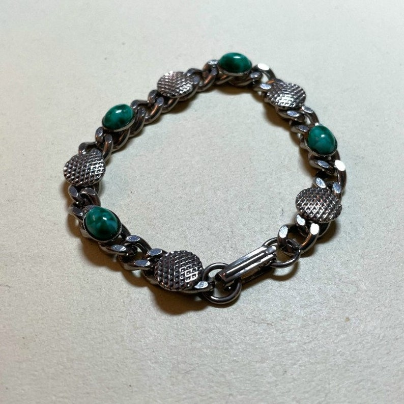 Vintage faux stone bracelet 1960s-70s  BR2171 green bracelet silvertone metal curb chain green faux stone cabochons 7 inches long