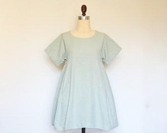 WEEKEND Dress - loose wide fit cotton linen dress in light mint green. Trapeze flowy shift dress with pockets