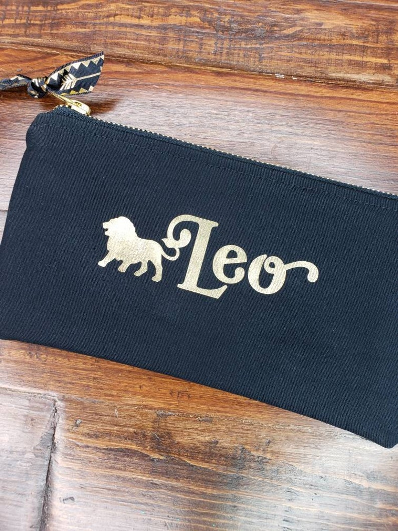 Free Personalized Pouch Leo