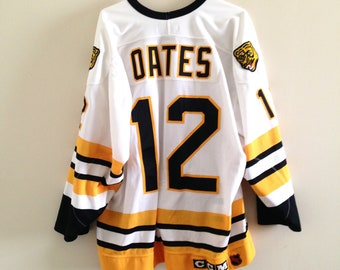 Boston Bruins Vintage CCM Authentic Centre Ice Hockey Jersey 1e49907e2
