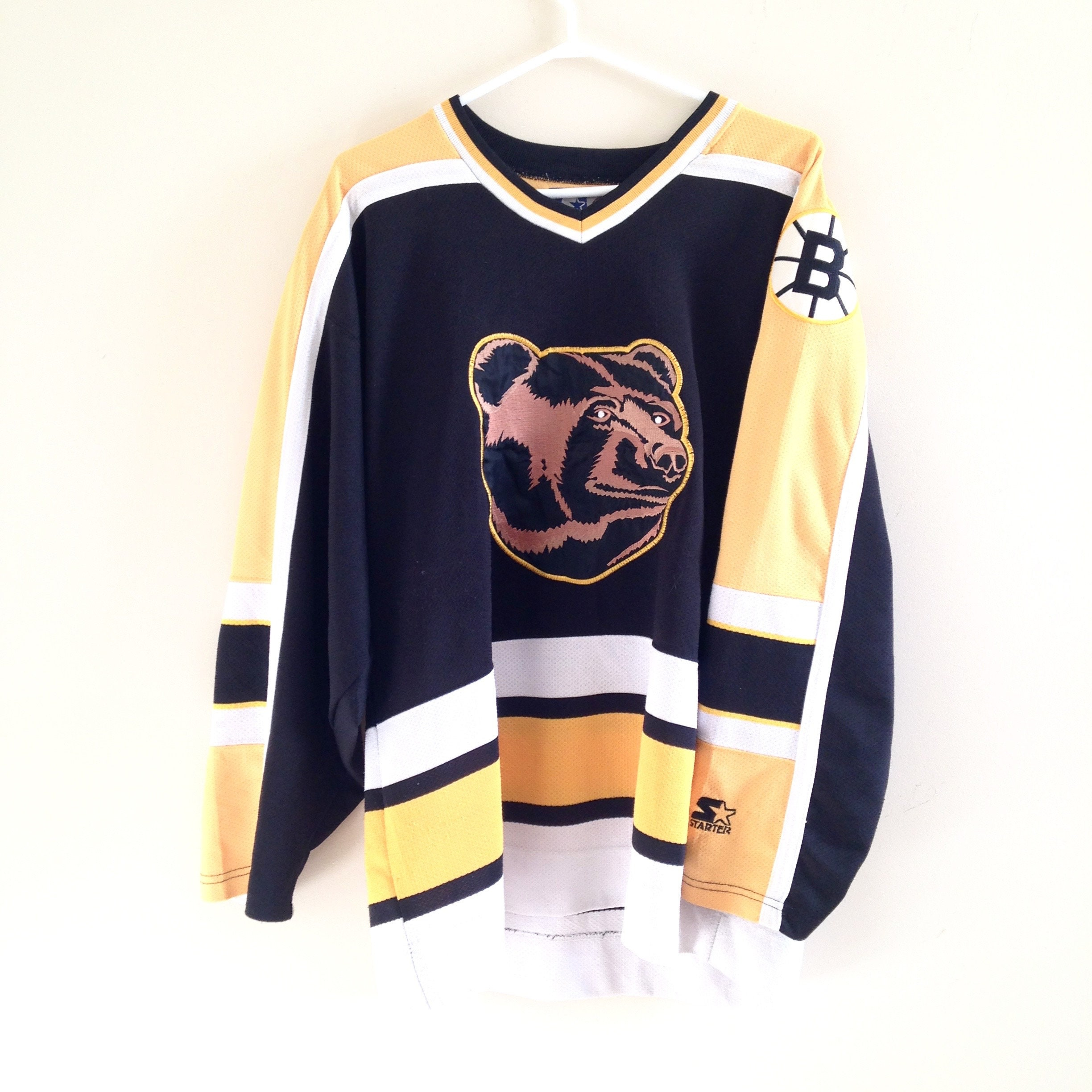 brand new 07d3d 918d9 Boston Bruins Vintage Starter Pooh Bear Hockey Jersey