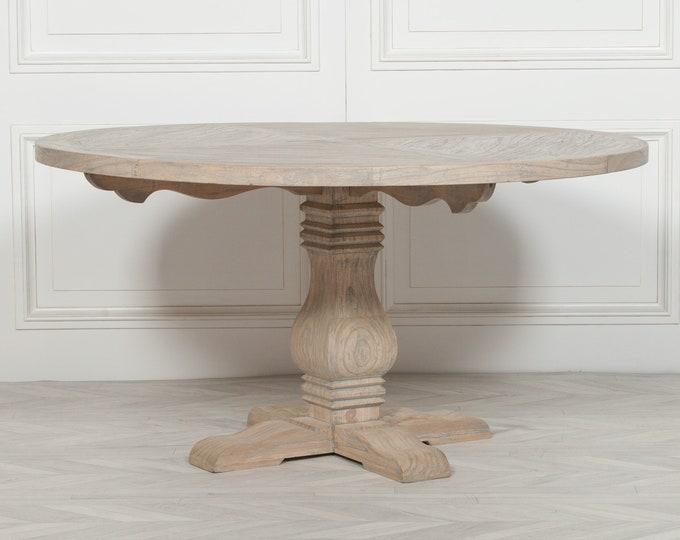 Beautiful Rustic 150 cm Round Pedestal Dining Table in Cedar Wood