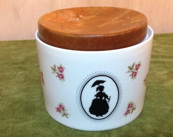 Winterling Marktleuthen Bavaria Porcelain jar with wooden lid – Storage jar – Sugar Pot – Vintage Jar