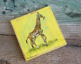 Giraffe Wall Art, Small Wood Slice Wall Art, Miniature Wall Art for Nursery, Animal Wall Art, Miniature Wall Decor, Nursery Wall Decor