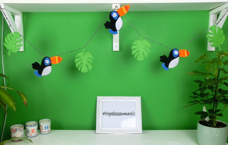 Toucan felt party bunting garland banner. image 0