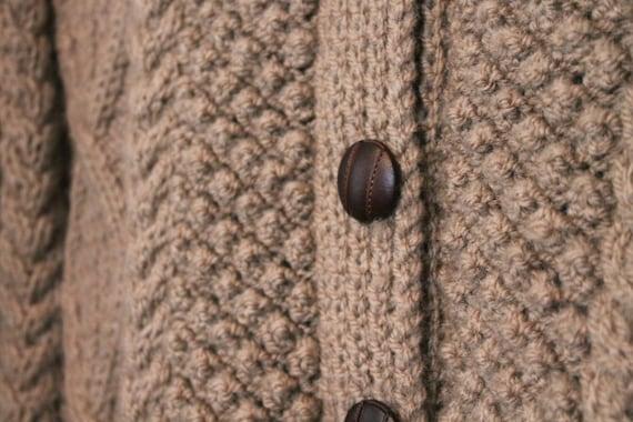 ... Cardigan de Aran cardigan Chunky pull pull de laine tricoté cardigan  pêcheur pull Chunky irlandais Celtic b3b7536a43c