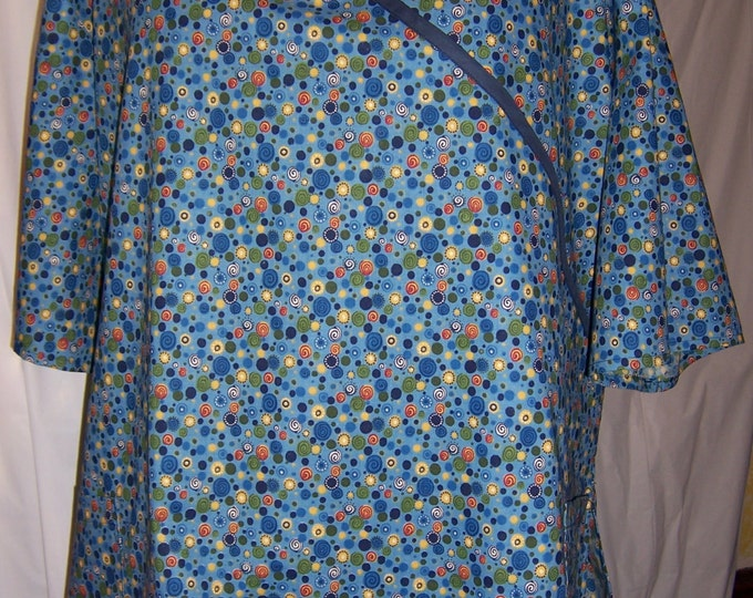 Blue swirley dots, Mock-Wrap scrub top