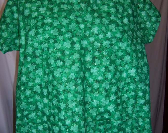 Shammrocks, cotton fabric scrub top