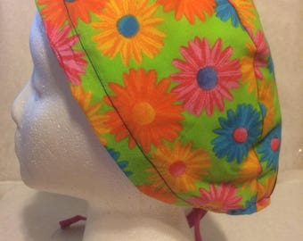 Gerber Daisy cotton, tie back scrub cap