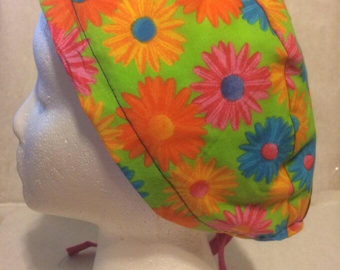 Gerber Daisy cotton, tie back scrub cap