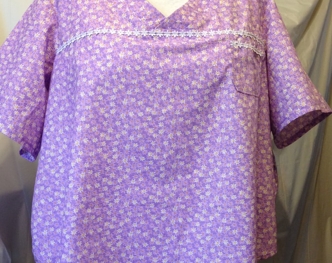 Lilac daisies 100% cotton scrub top