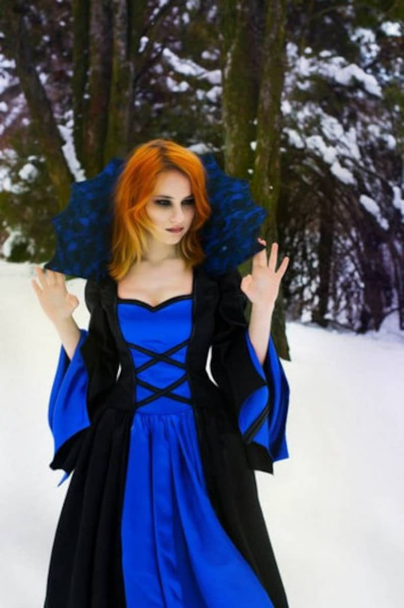 97ff8ada1e008 Vampire Queen Women's Costume - Size 8 - An elegant blue and black satin  vampire queen costume dress, for Halloween or any costume party