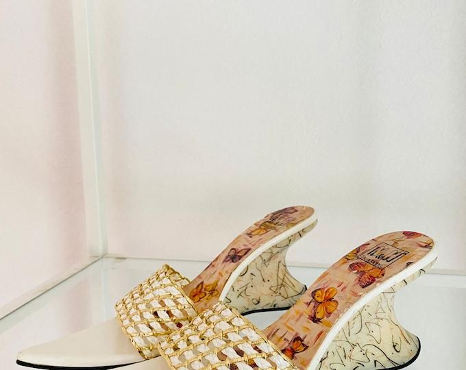 Vintage 2000s Y2K Long Pointy Sandals Heels Italian // White Vintage Sandals// Pointy Toe Sandals// Funky Heels