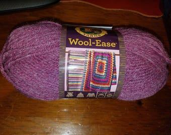 New LION BRAND Wool-Ease®  yarn 1 skein 3 oz worsted 620 Dark Rose Heather