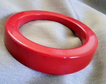 Vintage Deep Lipstick Red Biomorphic Shaped Bangle Bracelet
