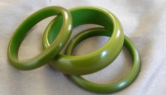Vintage Bakelite Olive Green/Chartreuse Bracelet B