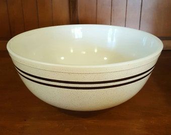 Pyrex Speckled Lines # 404 Bowl