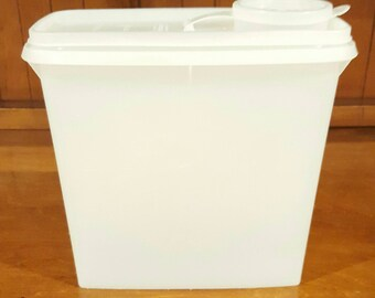 Tupperware Storage/Cereal Container # 469