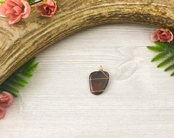 Red Jasper Gemstone Pendant >> Custom Natural Stone and Leather Necklace >> Nevada Nature Jewelry >> Outdoorsy Gift for Her >> Unique OOAK