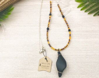 Black Obsidian Crystal Necklace on Czech Glass Seed Bead Necklace with Black Onyx Stones >> Natural Gemstone Jewelry >> Healing Crystal Gift