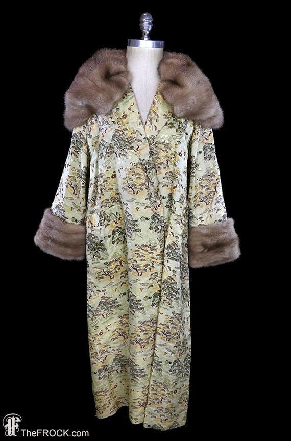 1930s mink fur trimmed coat, huge oversized collar