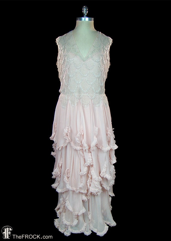 1930s gown or wedding dress, beads & palest pink–… - image 1