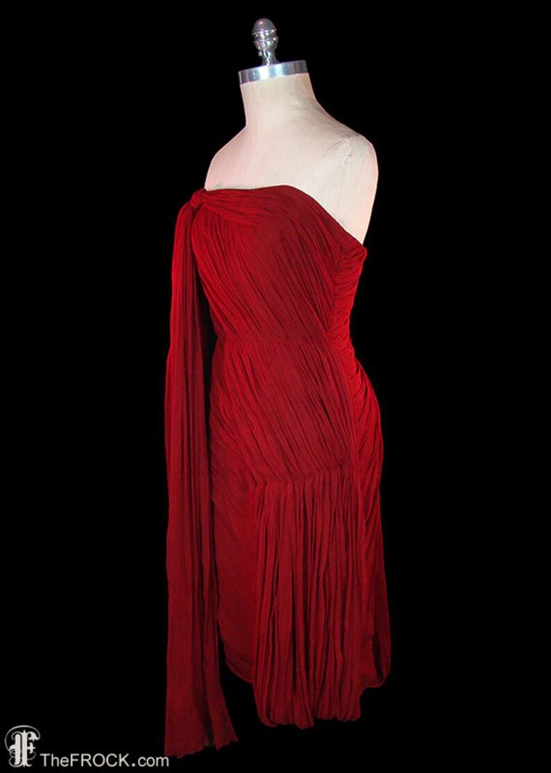 Jean Dessés robe, robe de soie mousseline de soie déesse rouge vintage français couture drapé, années 1950 robe de soirée formelle des années 1960