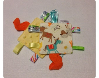 Farm tag toy, sensory toy, baby crinkle paper, crinkle tag toy, teether, farm animal tag toy, farm teething toy, horse tag toy