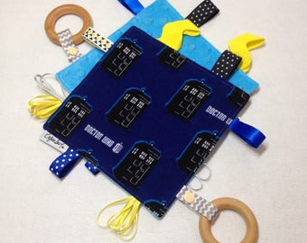 Doctor Who tag toy, sensory crinkle toy, baby crinkle paper, crinkle tag toy, Doctor Who baby, Tardis, timey wimey